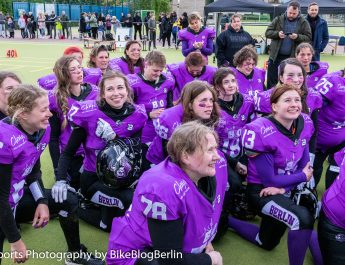 Knights Ladies mit historischem ersten Spiel